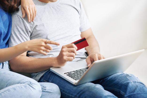 Wypłata i wydanie pieniędzy z konta bankowego jednego z partnerów związku nieformalnego