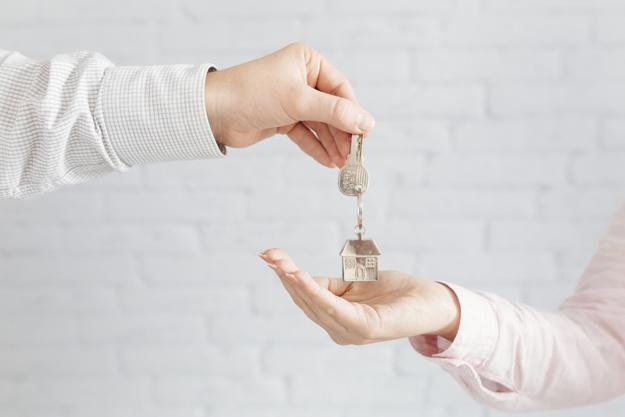 Umowa darowizny a umowa dożywocia mieszkania, domu, lokalu czy nieruchomości