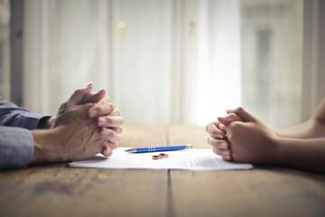 Co zrobić jak mąż albo żona kupił na siebie do majątku osobistego mieszkanie, dom czy nieruchomość w trakcie małżeństwa