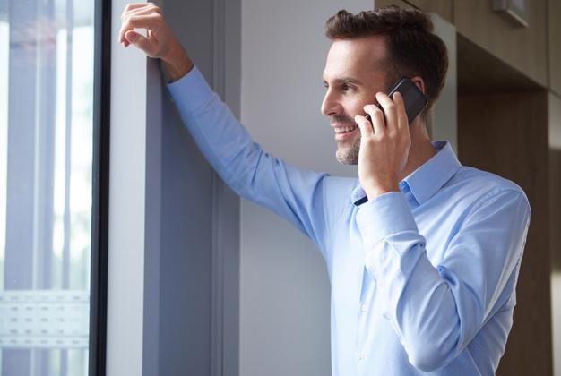 Kontakty i rozmowa ojca z dzieckiem przez telefon albo wideo rozmowa